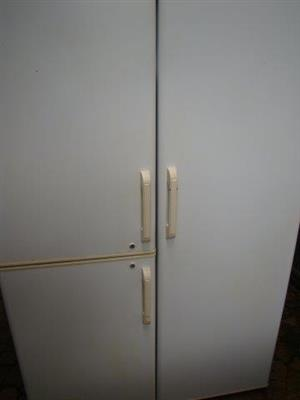 Fridgemaster 720L side x side Fridge/Freezer