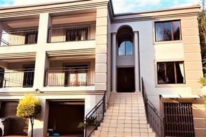 FULLY FURNISHED 5-Bedroom House To Let in Faerie Glen, Pretoria East.