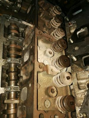 Isuzu KB 2.5 / 2.8 Cylinder head