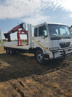 2008 Nissan UD100 with Plalfinger PK16000 brick crane fitted
