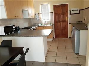 Bachelor Flat to rent in a Clean Complex in PTA Central, Sunnyside & Arcadia 1 June2020