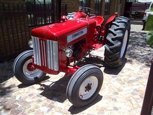 Rebuild tractor  , trekker te koop