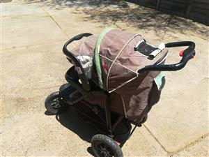 Chelino 3 wheel pram with car seat