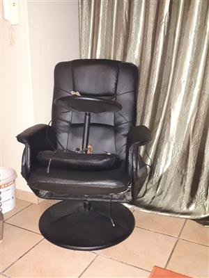 I'm selling my massage chair and heat up chair