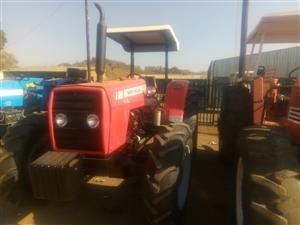Red Massey Ferguson (MF) 440 4x4