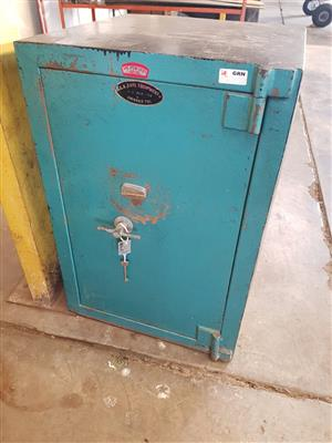 GRN 1TON SAFE WITH KEY