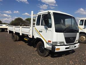 NISSAN UD60 Dropsides 2005 Pre-Owned Truck