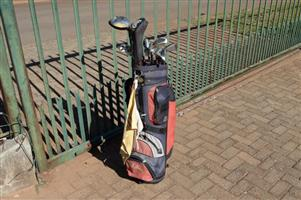Taylor Made R7 clubs, plus bag.