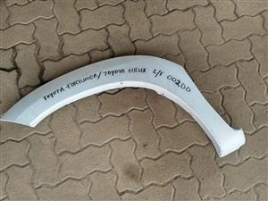 toyota fortuner/toyota hilux left front wheel arch cover