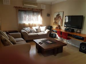 2 bedroom upmarket house in Central Westville KZN