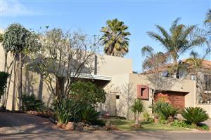 Furnished duet house in Centurion Golf Estate