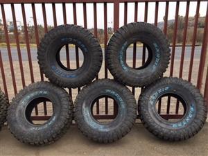Maxxis MT-762 Bighorn 35x12.50x15 Mud Terrain Tyres.