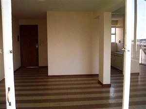 Windsor East 1.5bedroomed flat to rent for R4650
