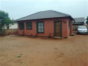 House for rent in Orchards