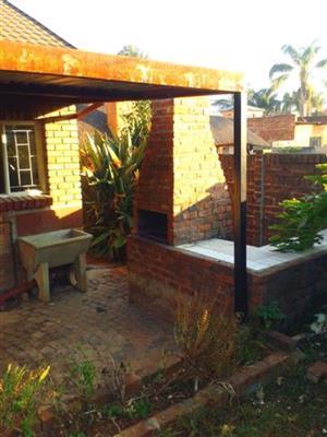 Spacious 2 Bedroom Garden Flat in Daspoort