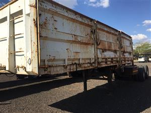 Make Interlink Cattle Trailer Back with Bulk Trailer Front Together Pre-Owned Trailer