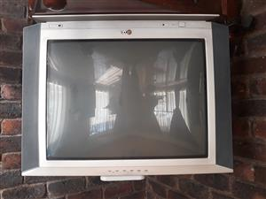"LG TV 32"" SCREEN for sale"