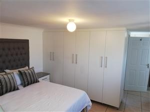DURBAN DECEMBER - SELF-CATERING, FULLY FURNISHED 1 BEDROOM TO LET