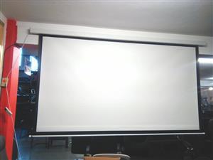 Romoto Electric projector screen