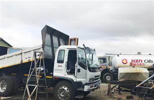 Mobile spray painting unit