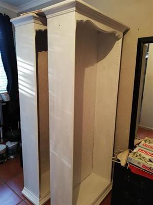 2 x Shelves