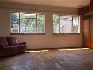 Batchelors flat in Rietfontein to rent. Near Crots street
