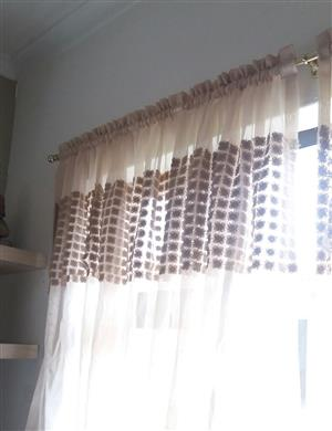 Stunning brown and cream curtain