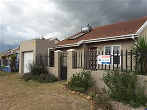 3 Bedroom House For Sale  Pelican Park, Cape Town
