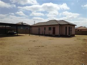 Kirkney Ext32 3 Bedroom House for sale with a spacious stand