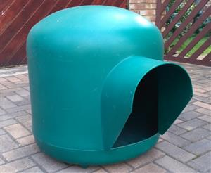 IGLOO KENNEL - MEDIUM