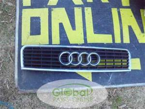 AUDI A4 FRONT BUMPER GRILL – USED (GLOBAL)