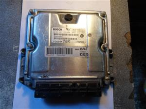 Jeep Grand Cherokee 2.5 ECU computer box  0 281 011 278 0281011278 P56044352AC 352AC