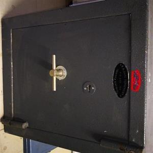 S.A. Safe Equipment. Blue Range safe.