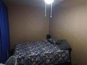 Drie slaapkamerwoonstel te huur in Villeria R6900 pm ideal vir TUKS studente wat ernstig is oor studies weg van studente lawaai