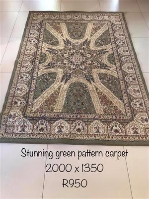 Stunning green pattern carpet