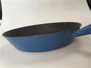 Le Creuset cast iron 28cm Pan - priced as per condition - see pictures below