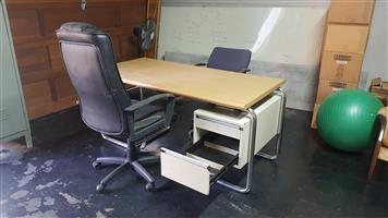 Nice and sturdy medium sized Desk plus 2 swivel chairs for sale