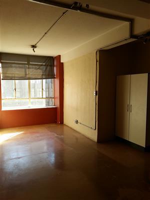 Bachelor Flat to rent in Johannesburg CBD