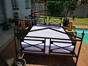 STEEL DOUBLE / QUEEN SIZE STEEL FRAME BED WITH STEEL SIDE TABLES. REST ASSURED MATTRESS INCLUDED AND THAI LAMPS FOR FREE!