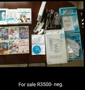 WII - CONSOLE, GAMES AND ACCESSORIES