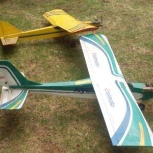 2x model Airplanes