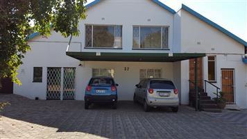 3 Bedr, 2 Bathr Duplex to Rent. Horison, Roodepoort. R 9 000 pm (W&L + DSTV + WI FI incl)