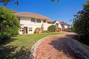Fish Hoek House with 3 Flats for sale.