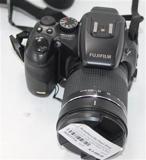 Fujifilm finepix S200 EXR with charger and VGA cable in bag S031777A #Rosettenvillepawnshop