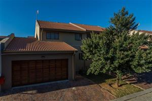 Lovely Townhouse for  Rent in Radiokop