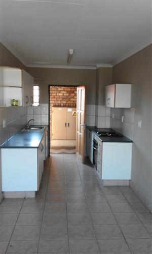 2 Bedroom flat ( Pretoria West ) New Horizon