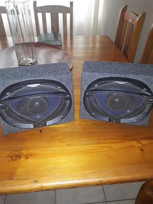 2 x Kenwood speakers in boks