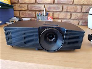 Dell Projector - used 3 times