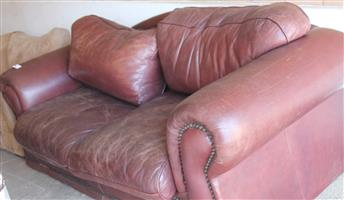 2 seater leather couch S031371A #Rosettenvillepawnshop