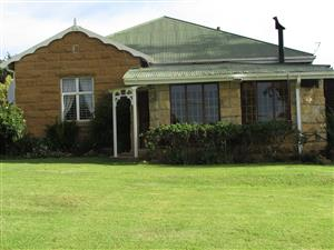 Fouriesburg. Sandstone House for Sale